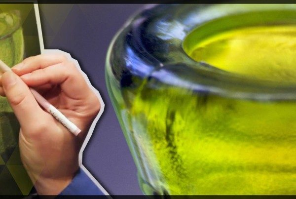 shawn-falchetti-colored-pencil-drawing-glass-bottle