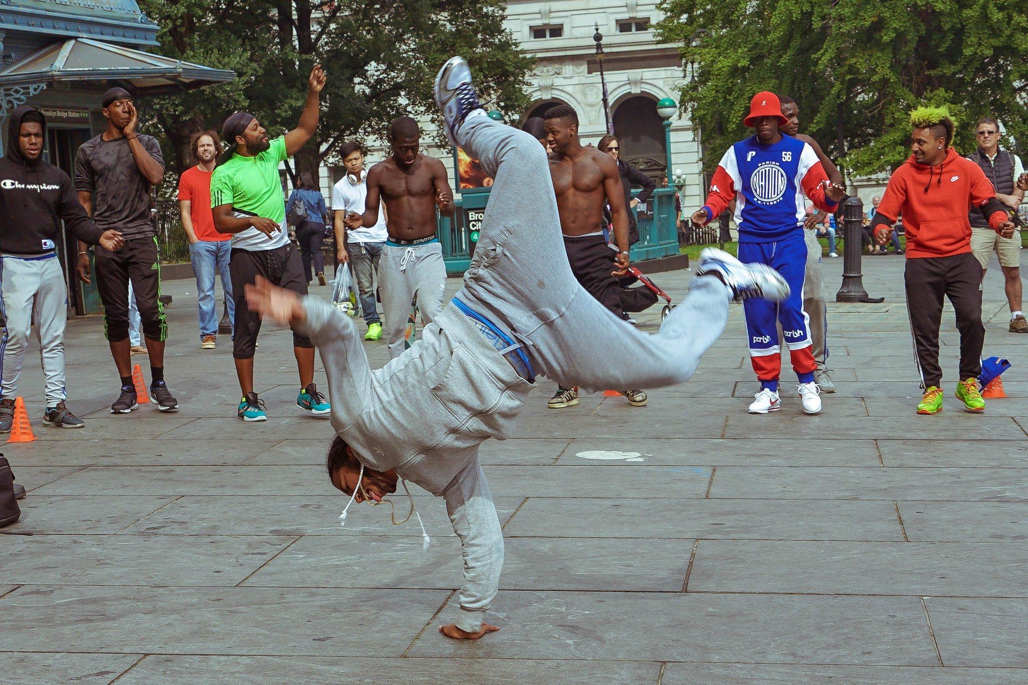 character-design-tips-breakdancers